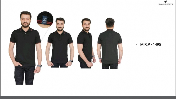 Black color blackberrys t-shirt